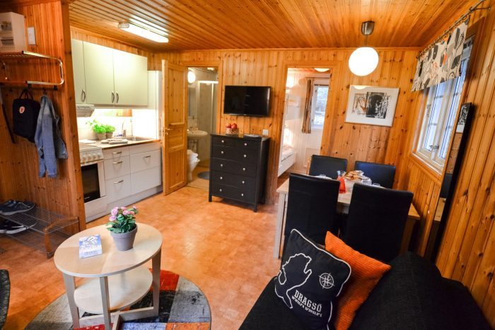 Vardagsrum/kök självhushållsstuga