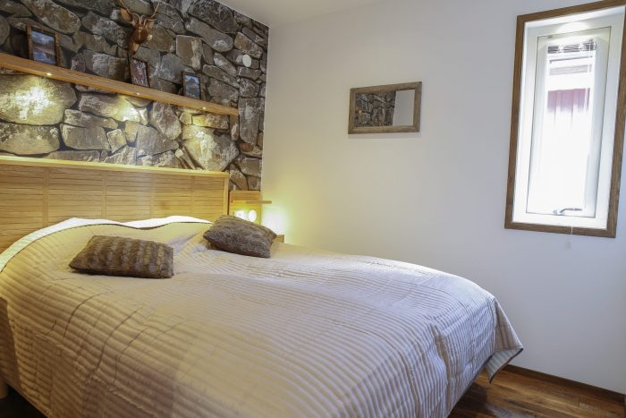 Master bedroom stugsvit berg